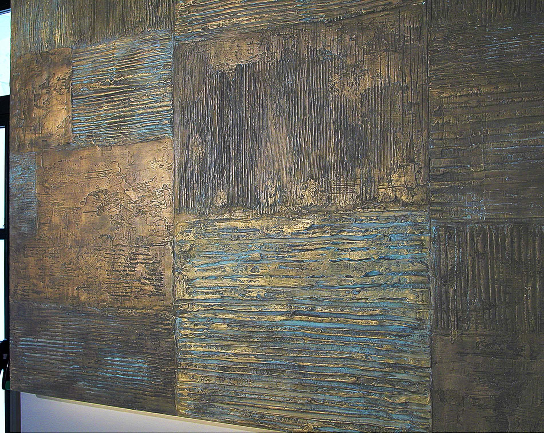 Arature Bronzo 2006 Circolo del Tennis del Foro Italico Roma. Gesso modellato su multistrato. Colorazione con oro. Bronzatura Mq 54