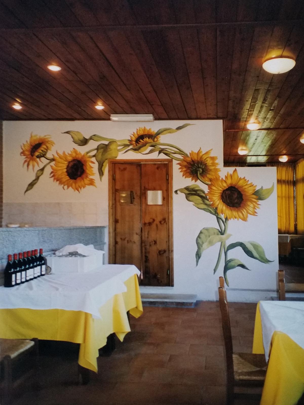 """tecnica mista, acrilico su muro, """"girasoli"""" murales per pizzeria, """"girasoli"""" murales, murales per pub, murales per ristorante, murales per discoteca, murales"""