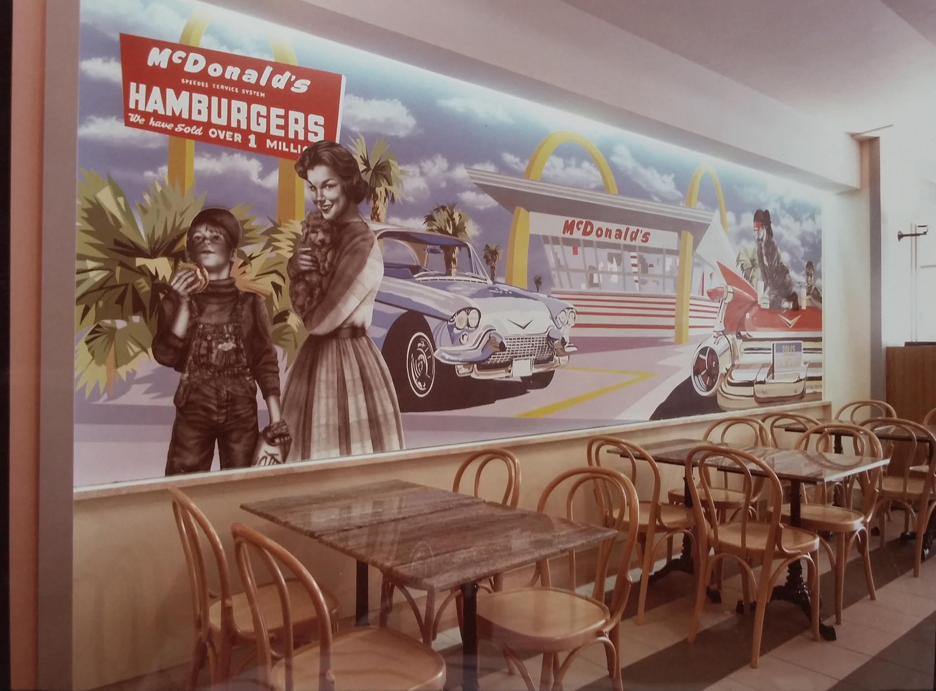 """""""Drive-in"""" Mc Donald's Roma Tecnica mista. Colorazione ad acrilico su tela. Mq 80, """"Drive in"""" Mc Donald's Roma, tecnica mista, acrilico su tela, acrilico su tela poi incollata su parete, decorazione per fast food, decorazione realizzata ad aereografo e dipinta a pennello, decorazione per pub, decorazione per fast food, decorazione per ristoranti, decorazione per discoteche"""