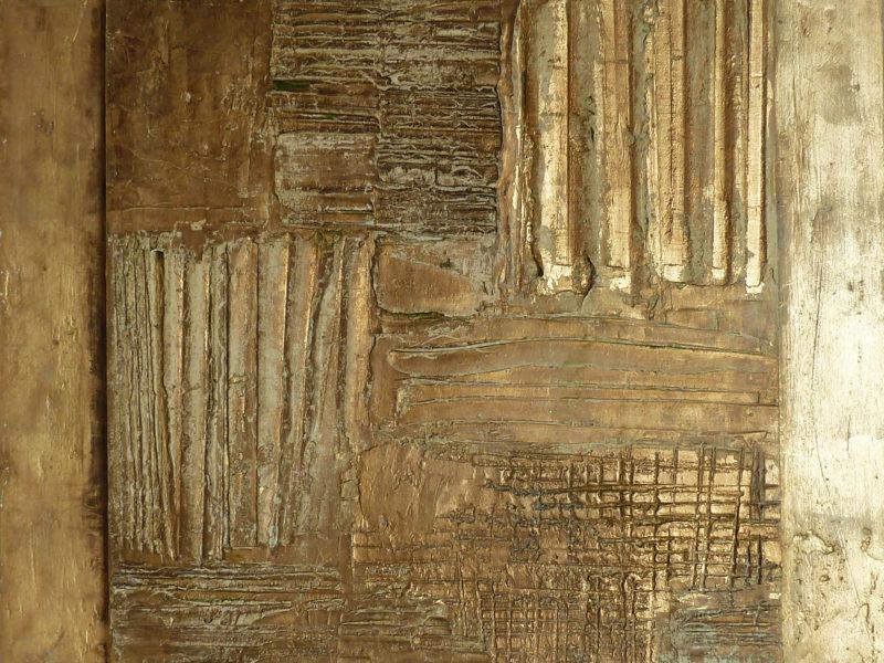 Piastre oro Collezioni private Gesso modellato su multistrato. Colorazione con pigmento oro, foglia similoro. Cm 60x60