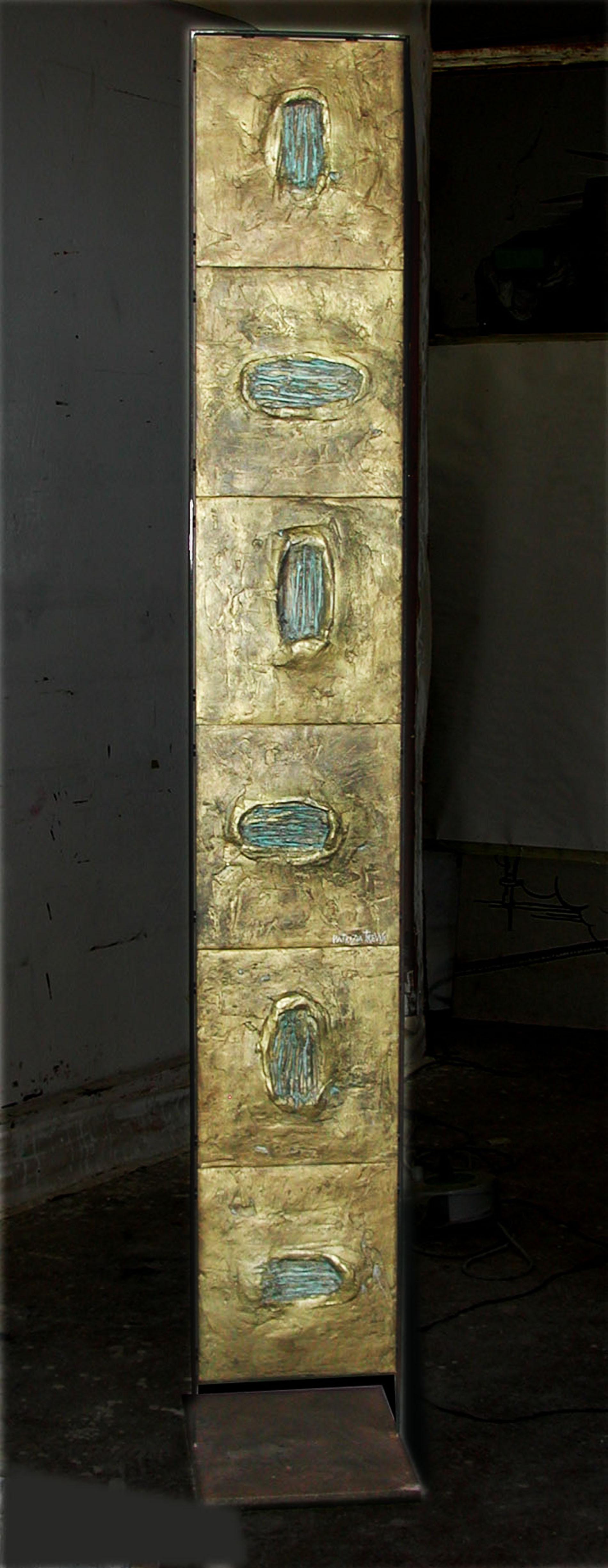 Piastre Esagramma 2011 Collezione privata Roma Gesso modellato su multistrato. Colorazione con oro bronzato Cm 200x40